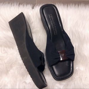 Donald J. pliner black summer wedges!